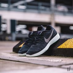 """Nike Wmns LunarTempo 2 LB """"Lunar Black Pack"""" 