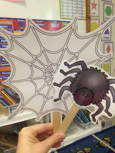 The Littlest Scholars: Fabulous FREE Stick Puppets for The Very Busy Spider retelling Fall Preschool, Preschool Literacy, Preschool Letters, Literacy Activities, Preschool Activities, Literacy Centers, The Very Busy Spider, Spider Book, Spider Crafts