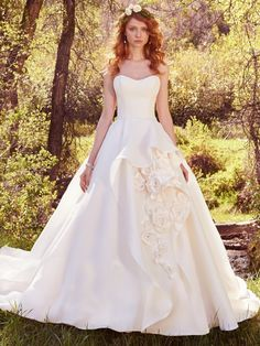 Maggie Sottero Bianca....tried this one on today and I loved it!