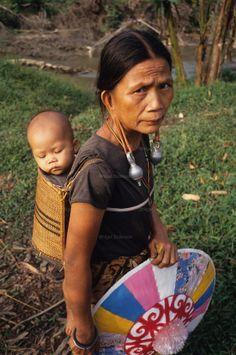 Borneo Woman | dayak malaysia sarawak borneo south east asia dayak kenyah woman and ...