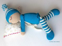 Con hilos, lanas y botones: Bebé dormilón amigurumi Crochet Doll Pattern, Crochet Dolls, Lana, Crochet Bear, Baby Dolls, Craft, Stuff Stuff, Hand Weaving, Tricot