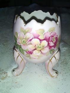 Inarco Vintage 1962 Porcelain Footed Pink Egg, Hand Painted, Cracked egg, Vintage egg figurine, porcelain egg, egg on legs, handpainted egg by Vintagepetalpushers on Etsy