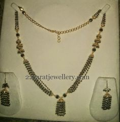 Jewellery Designs: Simple Green Beads Necklace