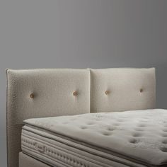 Bed Base, Headboards For Beds, Style Vintage, Bed Covers, Bed Design, Decoration, Mattress, Sofa, Furniture