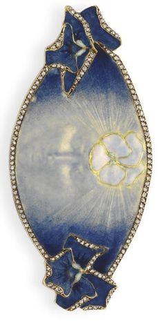 An Art Nouveau La Pensee Brooch by Rene Lalique circa Bijoux Art Nouveau, Art Nouveau Jewelry, Jewelry Art, Vintage Jewelry, Fine Jewelry, Jewelry Design, Diamond Brooch, Oval Diamond, Lalique Jewelry