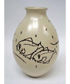 Cris Agterberg, aardewerk vaas met vissendecor, uitgevoerd bij Westraven, ca. 1937