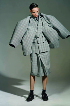 2b78d187 A First look at the Costume Institute's Comme des Garçons Catalogue 川久保玲,  ファッショントレンド
