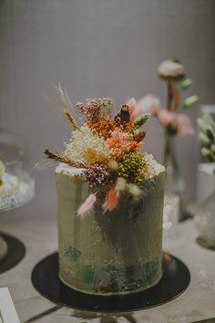 Οργάνωση - Διακόσμηση Βάπτισης :Treasures Events Floral Cake, Dried Flowers, Cakes, Table Decorations, Pattern, Beautiful, Home Decor, Flower Preservation, Decoration Home