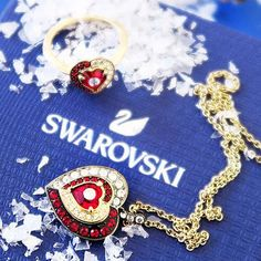 Christmas giveaway time: Win a baroque inspired jewellery set by my fav brand @swarovski. Since my logo is a red heart I thought its very fitting to give sparkling red crystals to one of you. I think it will fit perfectly to a girl who dreams of love is a queen at heart and has a vintage twist in her style.  How to participate? - Follow me - Leave a comment here and tag a friend who is a baroque queen too - Several tags mean several entries.  The giveaway is open to worldwide entries and… Christmas Giveaways, Queen, Her Style, Baroque, Jewelry Sets, Swarovski, Sparkle, Dreams