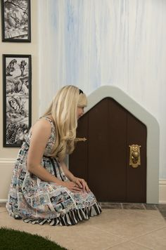 See How Ashley Eckstein Transformed Her Dining Room Into Wonderland | | #disney #disneysecrets