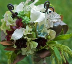 Monkey Tail Fern And Bouquets - Look at the focal point they create!