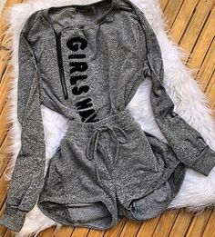 Conjunto dfg20gh Cute Swag Outfits, Grunge Outfits, Stylish Outfits, Teenage Outfits, Teen Fashion Outfits, Girl Outfits, Champion Clothing, Jugend Mode Outfits, Two Piece Outfit