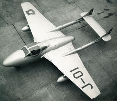 Tengo una gran cantidad de fotos antiguas de los aviones legendarios de la Fuerza Aérea de Chile, que quiero compartir con todos Uds. Todas ellas pertenecieron a mi padre y creo que son inéditas . La primera fotografía es de la década del 30 (1936). Este avión Alemán el Arado AR 95, biplano bombardero ligero y de observación perteneciente a la Fuerza Aérea de Chile.  Esperen la próxima foto. Saludos de P-47