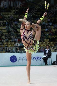 about Rhythmic Gymnastics sweet huh Acrobatic Gymnastics, Rhythmic Gymnastics Leotards, Dance Like No One Is Watching, Just Dance, Flexible Girls, Female Gymnast, Personal Fitness, Sports Photos, Gymnastics History