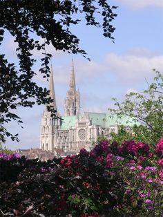 LEVES. Cathédrale Notre-Dame de Chartres