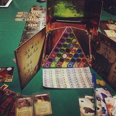 Gente agora uma foto melhor da board individual de alquimistas jogão! Na #DeliDaPersy tem! #alquimistas #devirbrasil #boardgame #loucosporjogos