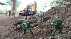 RC Excavator and soldiers