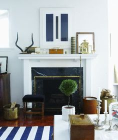 white room with navy and wood. Great colour combo