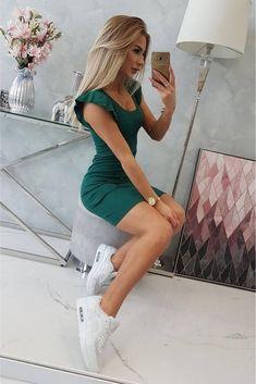 Rochie sport de vara verde cu volane pe maneca Shorts With Pockets, Modeling, Espadrilles, Lady, Outfit, Cotton, Sport, Stuff To Buy, Tie