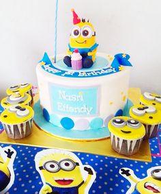 minion themed party, birthday cake