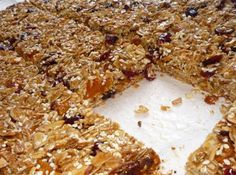 Yummy gluten-free Granola Bars from Whitewater Cooks (can also be made dairy-free by using lactose-free chocolate chips) Lactose Free Chocolate, Breakfast For A Crowd, Breakfast Ideas, Yummy Treats, Sweet Treats, Mini Chips, Lactose Free Recipes, Granola Bars, No Bake Desserts