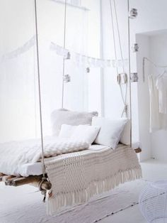 Bed hanging from ceiling represents a very unusual piece of furniture. Hanging bed is not a new idea in interior decoration, but it certainly brings a breath of modern, extravagant, creative and playful in each bedroom. My New Room, My Room, Furniture Making, Diy Furniture, White Furniture, Hanging Furniture, Apartment Furniture, Vintage Furniture, Modern Furniture