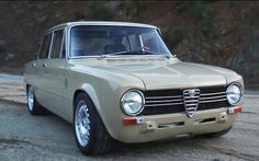 This Alfa Romeo Giulia shows why its owner scored a job at Singer Vehicle Design Maserati Car, Ferrari, Singer Vehicle Design, Automobile, Alfa Alfa, Fiat Cars, Car Racer, Alfa Romeo Giulia, Alfa Romeo Cars