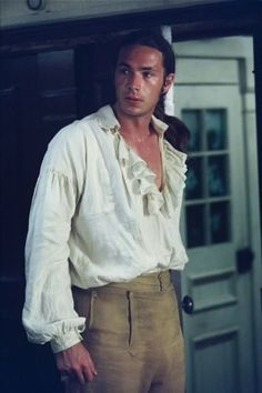 James D'Arcy as Tom Pullings in Master and Commander: The Far Side of the World    Ooh I love James D'Arcy. He needs to be in more of the things.