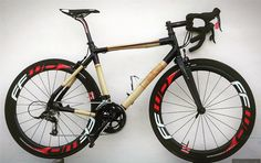 bamboobicycleclubBamboo #roadbike built by Jonny Petraeus a pro rider using one of our home build kits. #bamboobike #bamboobicycleclub #custombicycle #roadies #bamboobike #cycling #bicylce #bikeporn #handmadebike #bamboobicycleclubroad #entropyresins #bioresin #supersap #epoxy #bio #epoxyresin #resinart #entropyresins_eu #makethingsbetter