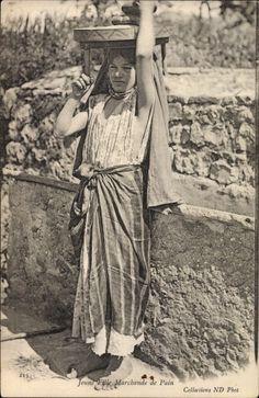 Ansichtskarte / Postkarte Jeune Fille, Marchande de Pain, junges arabisches Mädchen, Brotverkäuferin