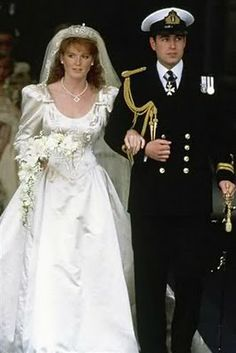 Sarah Ferguson, who became the Duchess of York when she married Prince Andrew, carried a crescent shaped bouquet of cream lilies ~ Majesty, palest yellow roses ~ Joy, Friendship , gardenias ~Secret Love , lilies-of-the-valley ~ Sweetness and the traditional sprig of myrtle.