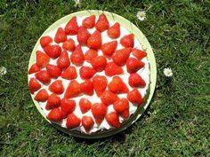Alletiders Kager - Jordbærtærte med marcipanbund - Super god Jordbærtærte, skal prøves.