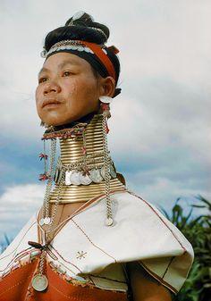Padaung Woman, Eastern Burma, 1978. Photo by Jorgen Bisch (via) ©Jorgen Bisch 1962.