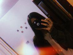 Nhớ vào follow hộ riin nha <3 Snap Photography, Girl Photography Poses, Tumblr Photography, Cute Girl Photo, Girl Photo Poses, Girl Photos, Aesthetic Photo, Aesthetic Girl, Shadow Photos