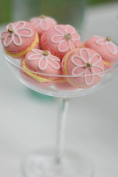French Macaroons. So pretty, must try and make these for a special occasion