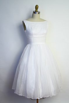 Vintage 50s White Wedding Dress - Shelf Bust Chiffon Party Dress