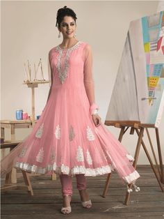 Most recent style of dress design 2014 in Pakistan incorporates loads of various types of dresses in eastern style. Like design of dresses there are many White Anarkali, Anarkali Suits, Designer Anarkali, Frock Design, Trendy Collection, Prom Dresses, Formal Dresses, Looks Style, Indian Dresses
