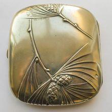 Art Nouveau Cigarette Case, c. Bijoux Art Nouveau, Art Nouveau Jewelry, Jugendstil Design, Vintage Cigarette Case, Art Nouveau Design, Vintage Accessories, Smoking Accessories, Belle Epoque, Love Art