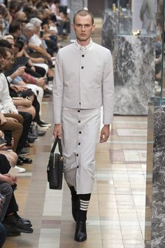See the complete Thom Browne Spring 2018 Menswear collection.