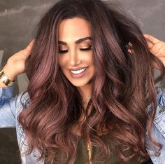 Love her hair! She is gorgeousss