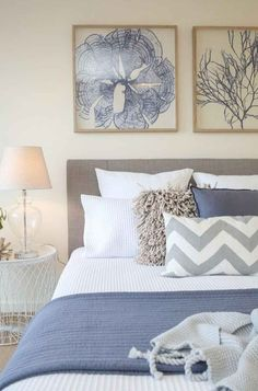 33 Epic Navy Blue Bedroom Design Ideas to Inspire You Hamptons Bedroom, Coastal Master Bedroom, Coastal Bedrooms, Coastal Living Rooms, Master Bedroom Design, Home Decor Bedroom, Modern Bedroom, Calm Bedroom, Coastal Cottage