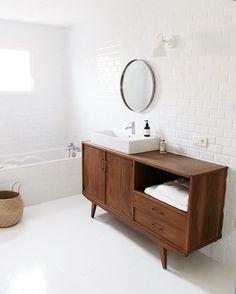 « Mise en place, petit à petit, de notre salle de bain. »