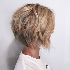"""Caramel Blonde Layered Bob """"Short Hairstyles For 2018 - """"Latest Short Bob Haircut - Women Hairstyle for Short Hair"""", Short Shag Hairstyles T Short Wavy Bob, Short Hair With Layers, Short Bobs, Wavy Bobs, Short Blonde, Short Textured Bob, Curly Bob, Angled Bobs, Stacked Bobs"""