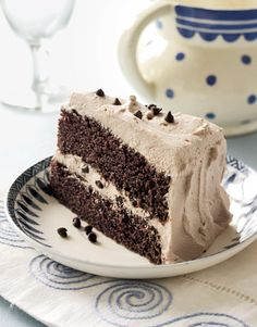 Gianna's Chocolate Whipped Cream Cake is making our mouths water like crazy! #desserts #valentinesday
