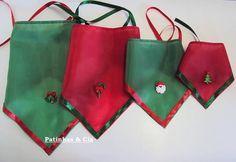 Lindas bandanas com fita em cetim para amarrar e detalhe em botão ou biscuit com motivo de Natal.    Você pode escolher entre:  - embalagem padrão contendo 10 unidades, sendo 3 bandanas tam. PP, 3 bandanas tam. P, 2 bandanas tam. M e 2 bandanas tam. G em cores variadas ou  - selecionar os tamanhos e cores de sua preferência para compor a sua embalagem com 10 unidades. Se escolher essa opção, favor incluir observação quando fizer o pedido.  - compor a sua embalagem com 10 unidades/pares com…