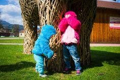 """Kuschelalarm mit Kullaloo - Nähfrosch Kann man aus Kuscheltier-Zottelplüsch von @kullaloo Jacken nähen? Werden die Kinder damit zu schmusigen Teddybären oder wilden Fusselmonstern? Und welche Abenteuer gilt es beim Nähen zu bestehen?! Mehr auf dem Blog! 😉 (Schnitt @bcolorido @farbenmix) ********* How to make teddybears out of your kids by using """"fur"""" fabric from #Kullaloo! 😉 ********* zottelplüsch sewing kullaloo supersoft"""