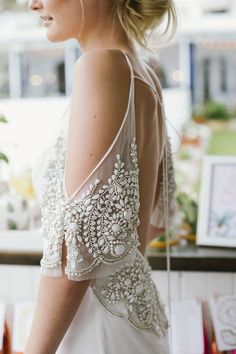 OMG I ♡ the beadwork on this dress!!