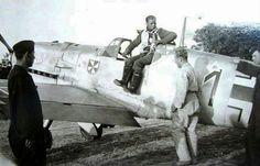 "Messerschmitt Bf 109E-4 werk. nr 1443 black 1 ""Erika"" Oblt. Herbert Kjewski Staffelkapitän 5./JG 3 Wierre-au-Bois airfield (France) August 1940. He was KIA on 16 April 1943"