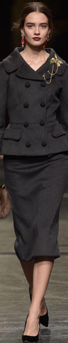 Dolce&Gabbana Alta Moda S/S 2016 .. http://escort-journal.com/  Эскорт Работа для девушек в Норвегии, Италии, Греции, Турции от 3000 usd за Тур. Агентство  № 1 CDC в Турции. Escort agency. Working girls from any country