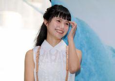 宮崎あおい:佐藤健にスキップ突っ込まれ「気をつけます!」 Japanese Girl, Cute Girls, Idol, Hairstyle, Womens Fashion, Face, People, Miyazaki Aoi, Beauty